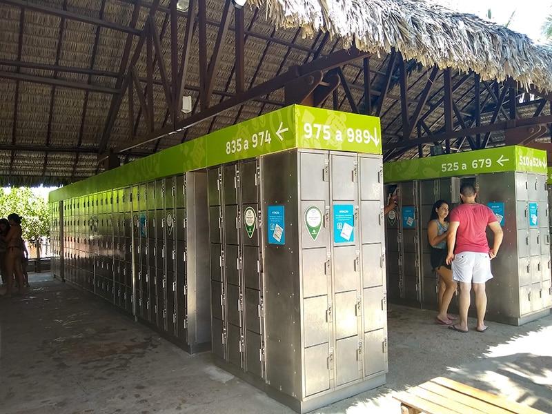 Onde guardar o celular no Beach Park