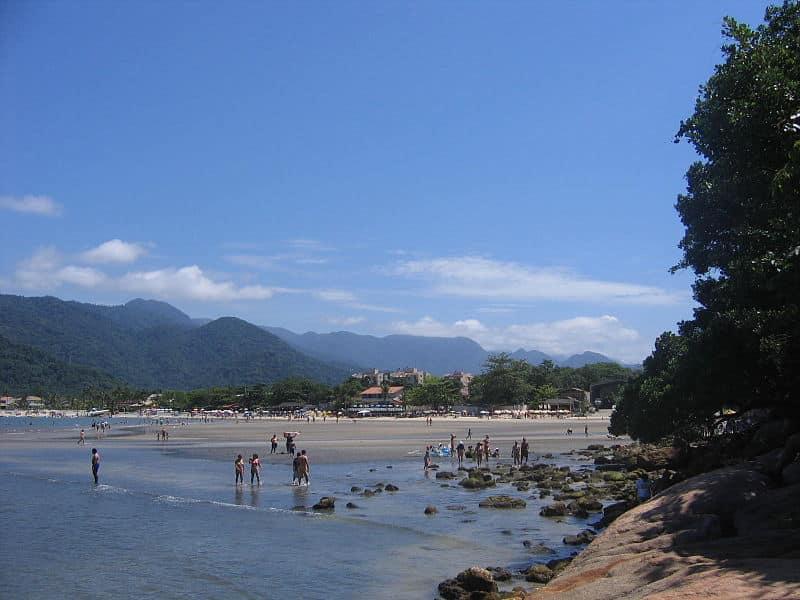 Praias de águas rasas em São Paulo
