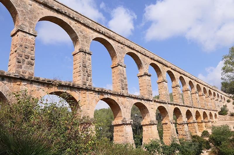 Tarragona é uma das paradas obrigatória do roteiro de trem na Espanha