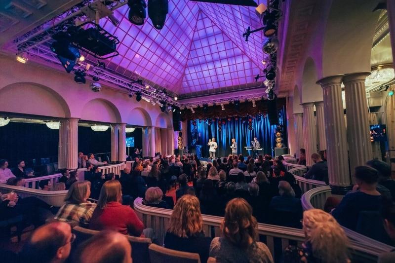 Programas noturnos em Helsinque