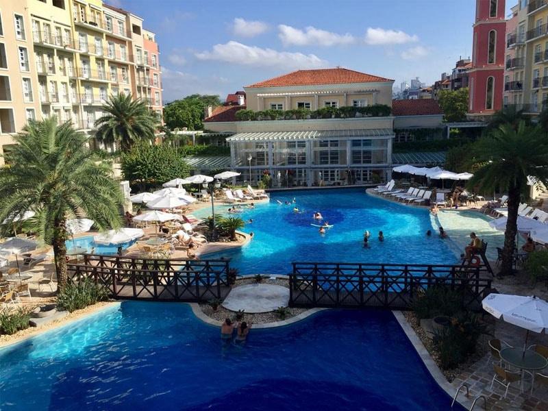 Resort em Santa Catarina de frente para o mar