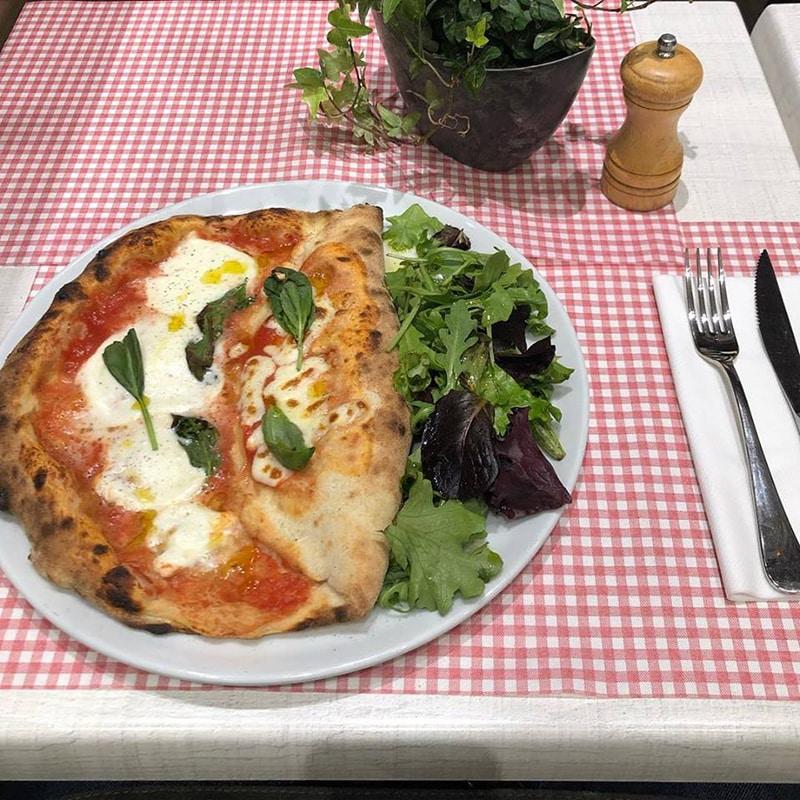 Comida italiana na França
