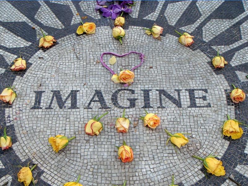 Monumento em homenagem aos Beattles em Nova York
