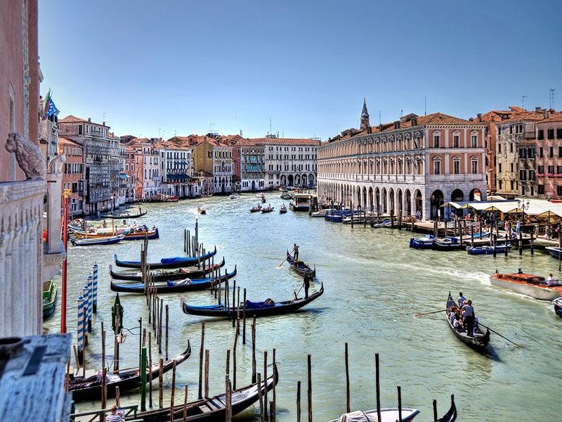 Cuidados em Veneza com crianças