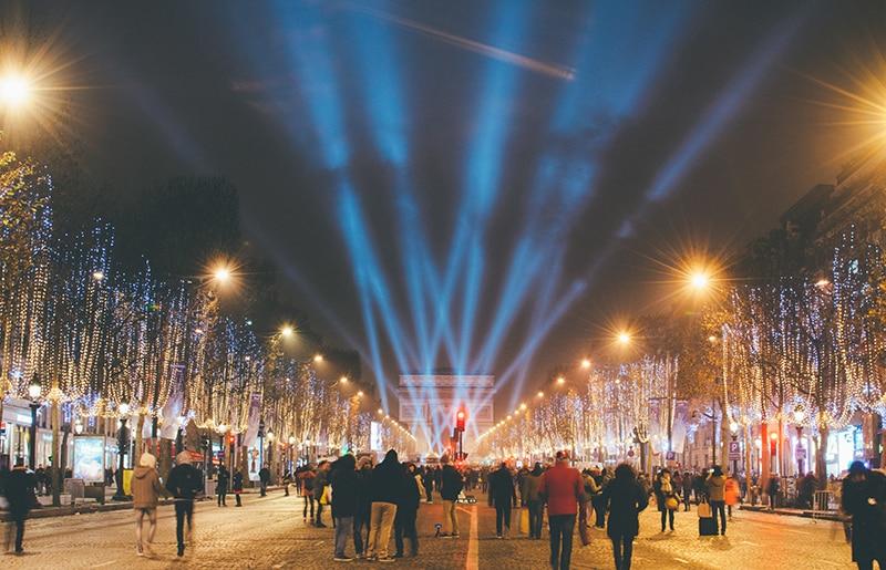 Réveillon na avenida Champs-Élysées