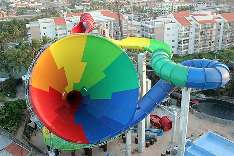 Brinquedos mais alto do Beach Park