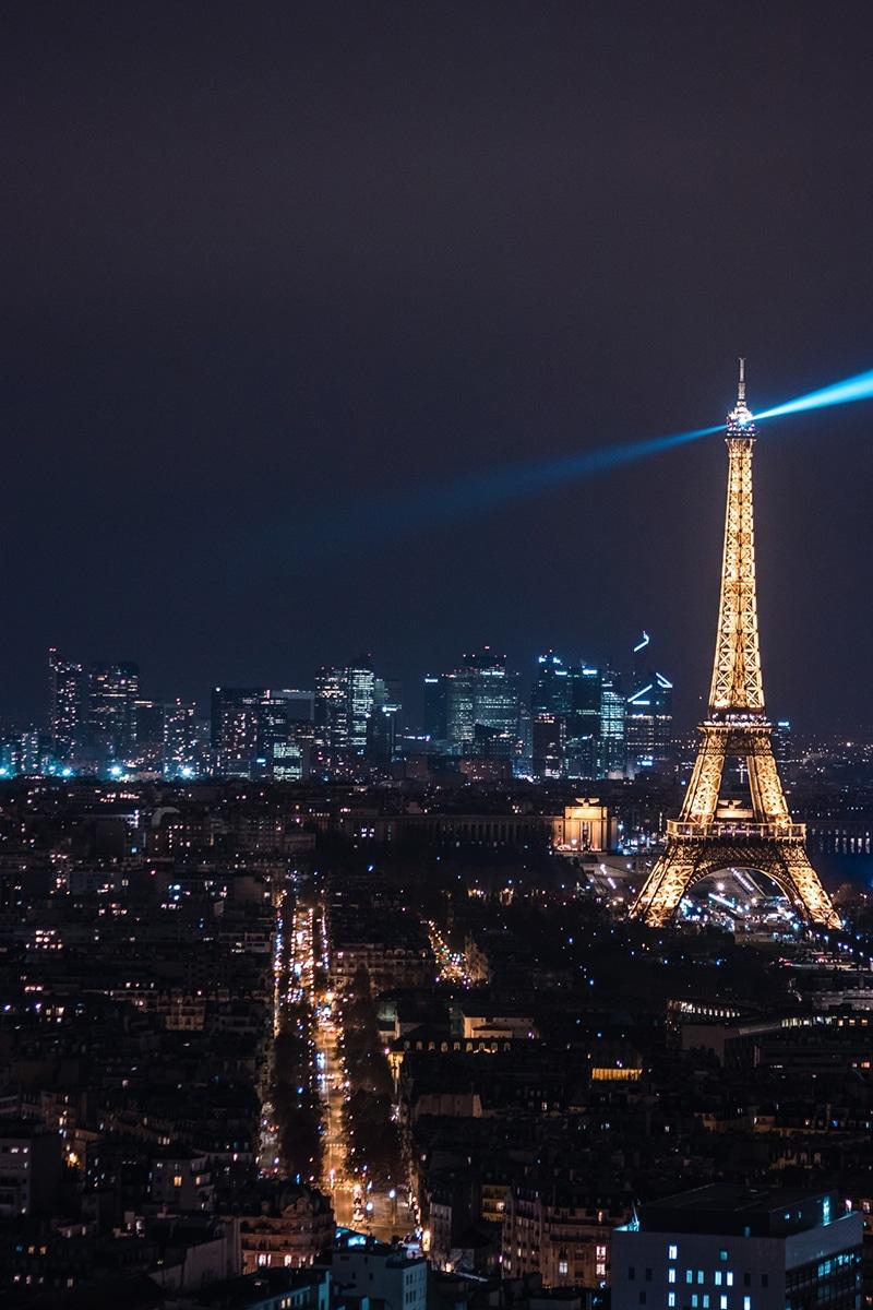 Ano Novo na Torre Eiffel