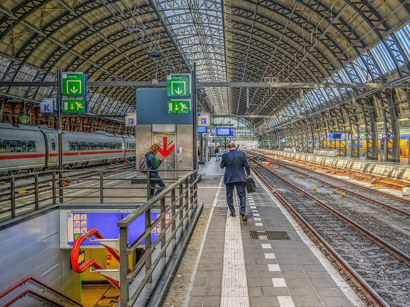 Como funcionam os trens na Holanda