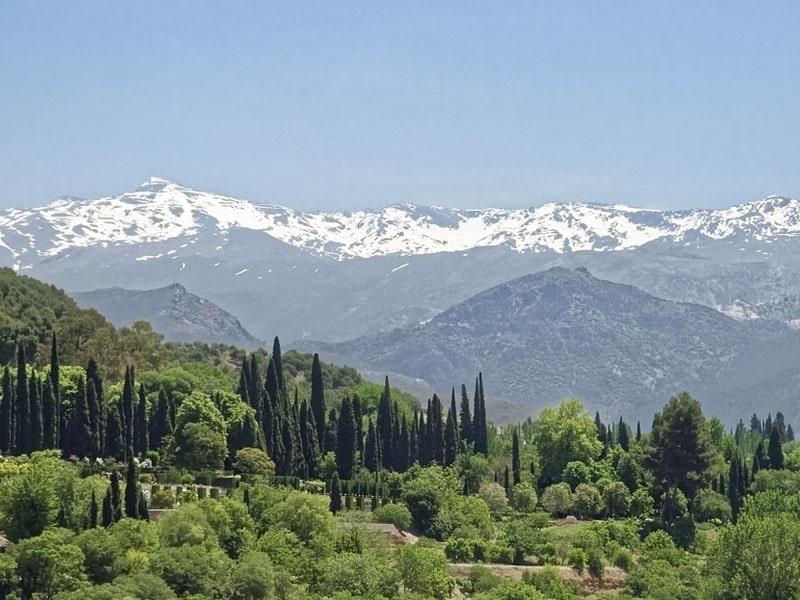 Quando tem neve em Sierra Nevada?