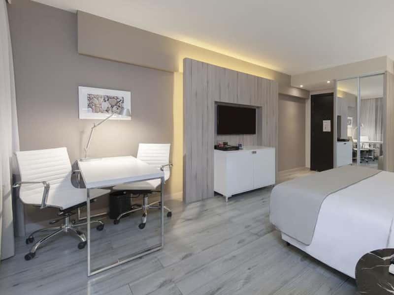 Quais os melhores hoteis em Belo Horizonte cinco estrelas?