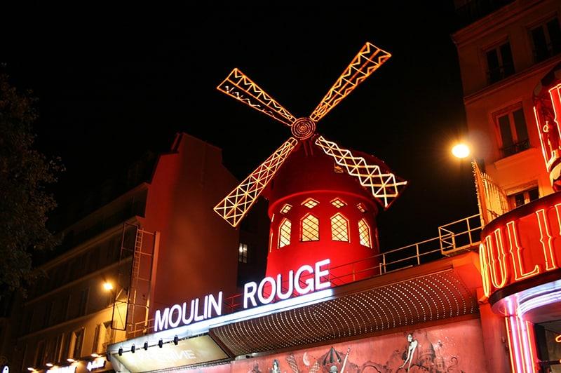 Espetáculo no Ano Novo em Paris