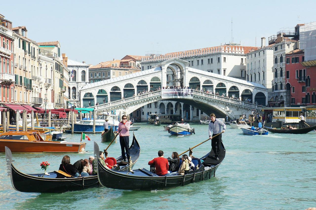 Quanto um turista gasta por dia em Veneza?