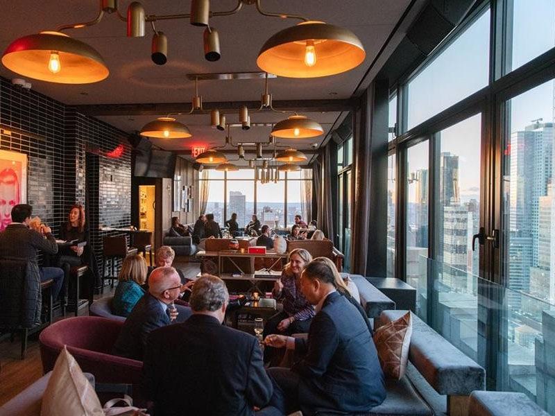 Bar com coqueteis em NY