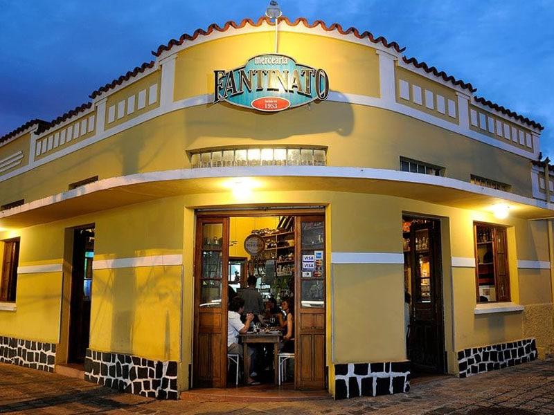 Restaurantes com pratos típicos de Curitiba