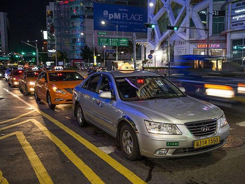 Transporte na madrugada em Seul