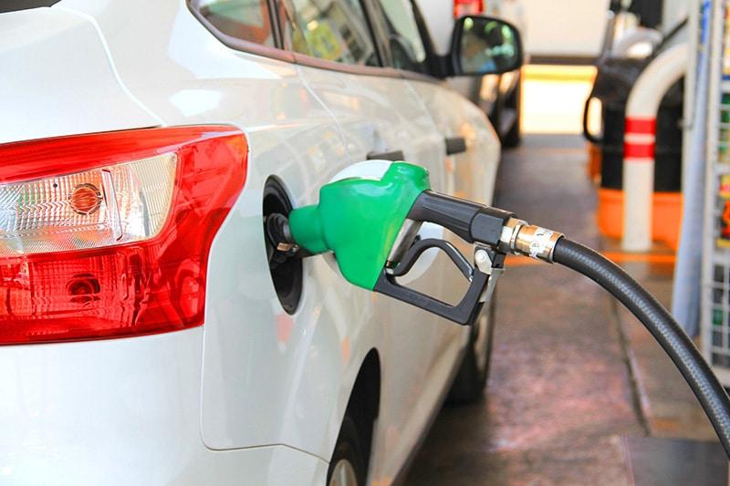 carro aluguel combustível