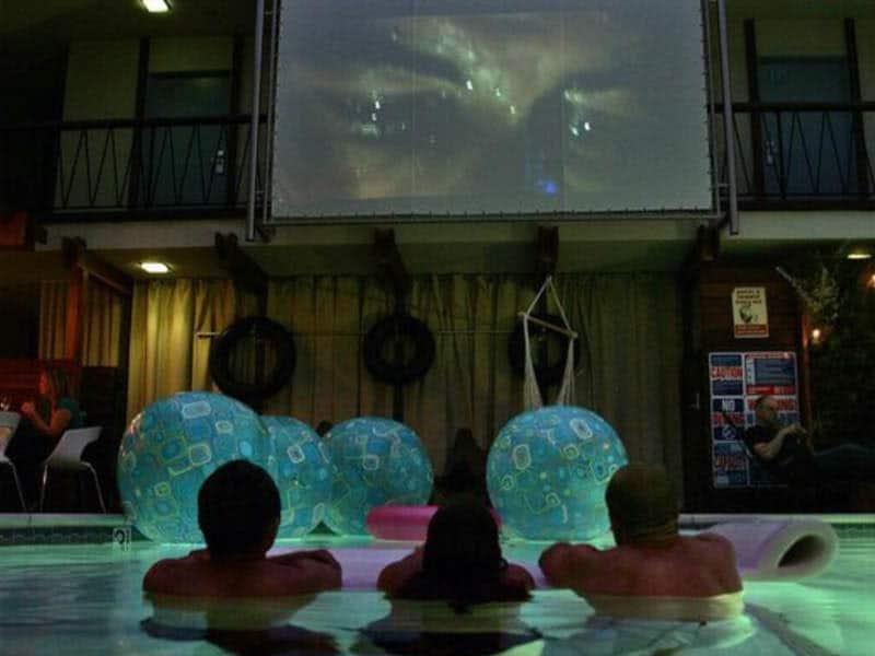 Cinema na piscina em San Diego