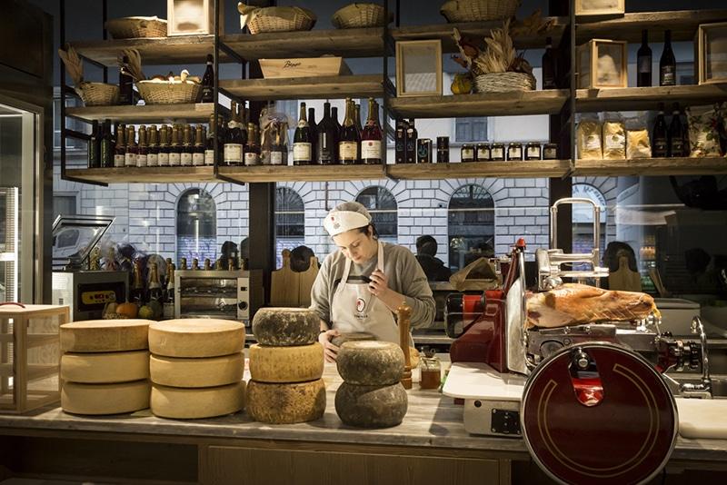 Comer queijo em Roma
