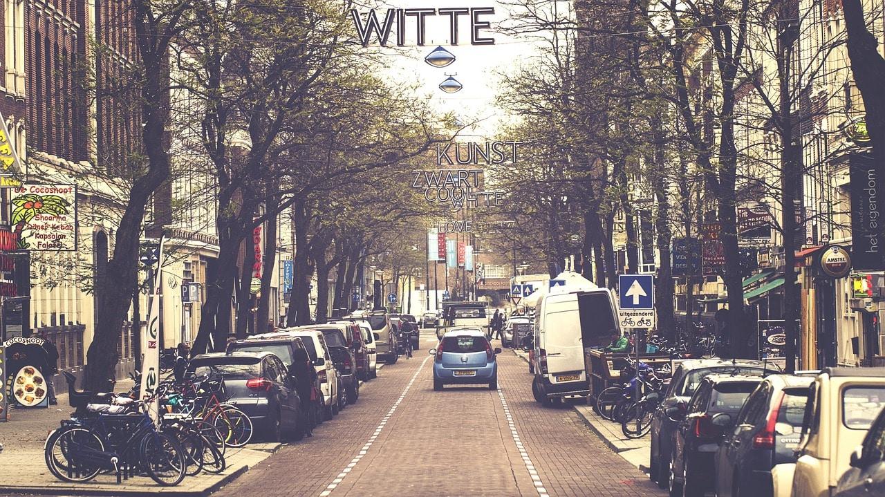 Carros em Amsterdam