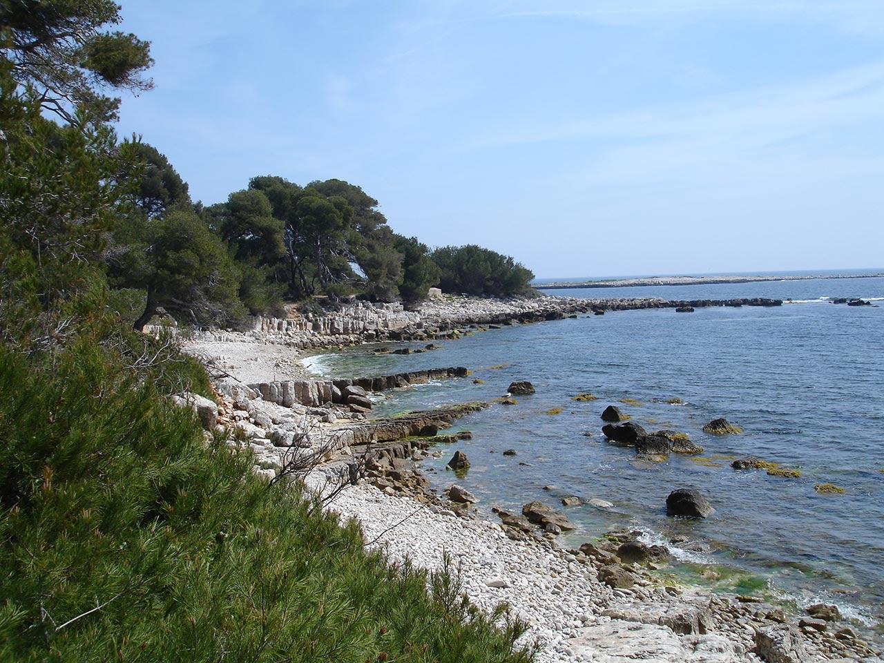 Pontos turísticos de Cannes à beira-mar