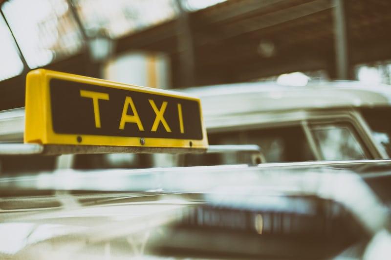 Táxi em Faro