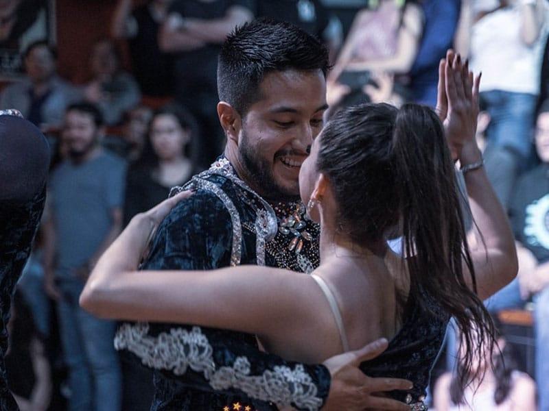 bares com musica em Quito
