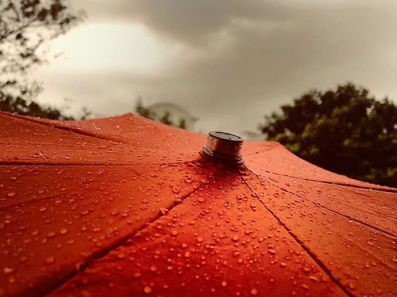 Viajar na baixa temporada: chuvas, tempestades, furacões, promoções
