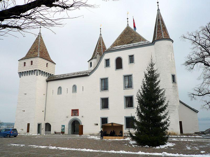 Castelos da Suíça exuberantes