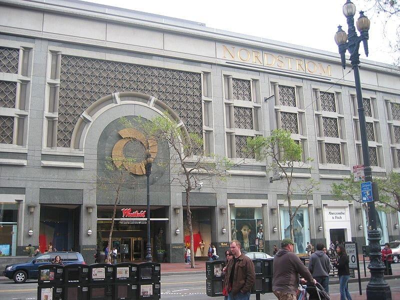 Compras em São Francisco em promoção/liquidação