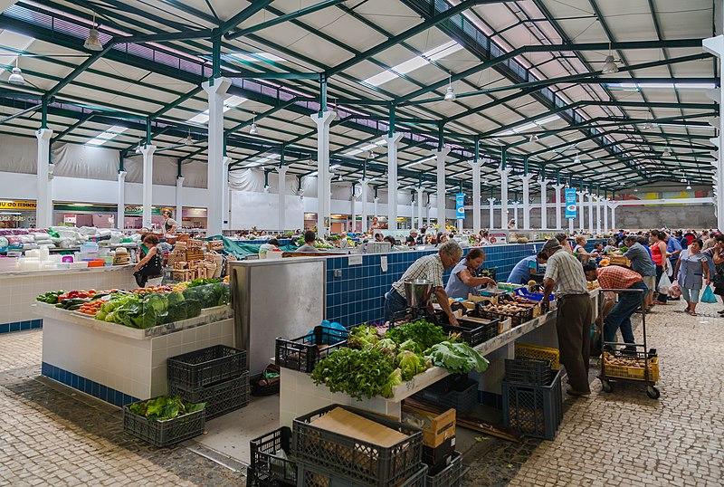 Compras em Setúbal: ruas, mercados e lojas baratas