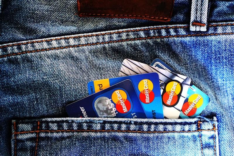 como comprar dolar e euro online