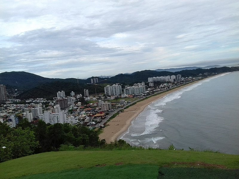 Melhores praias para surfar em Santa Catarina