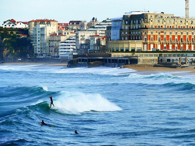onde surfar na França