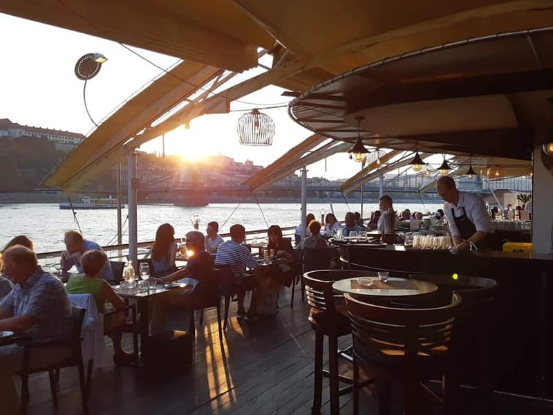 restaurante beira-mar budapeste