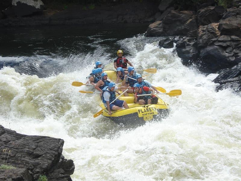 Lugares para praticar rafting no mundo