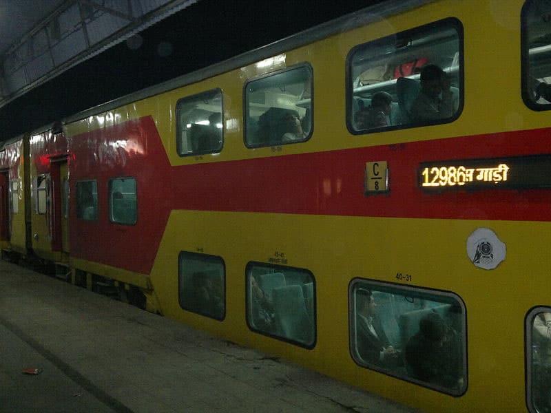Transporte em Nova Deli: trem é caro ou barato?