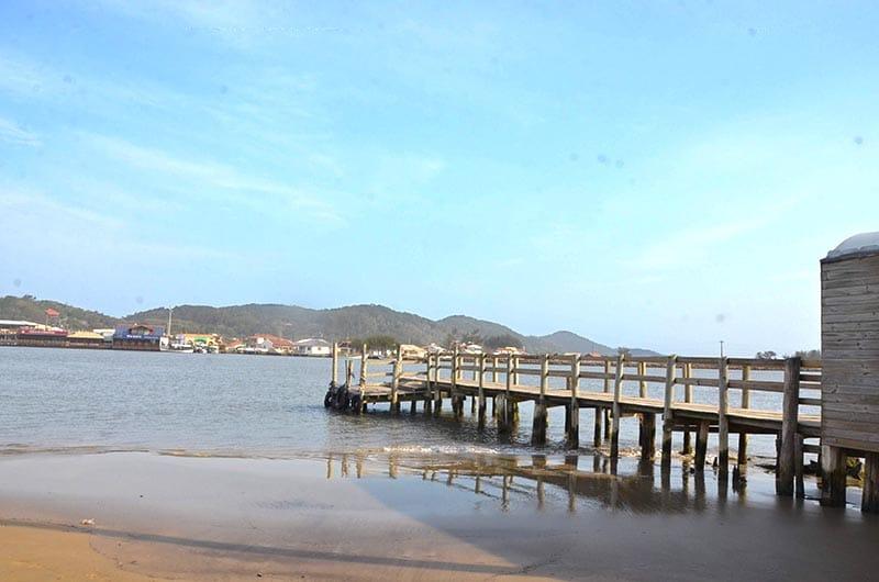 Protocooperação entre golfinhos e pescadores pontos turísticos de Laguna