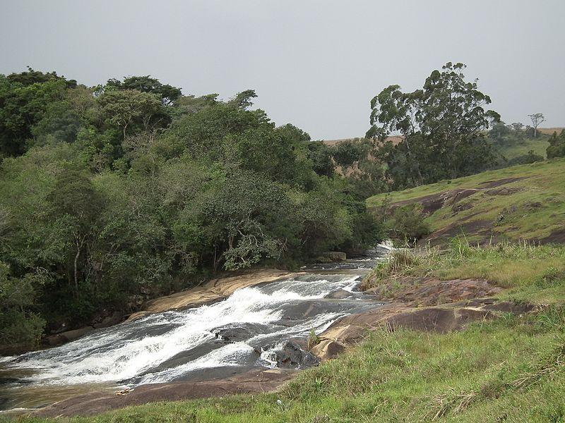 cachoeiras em pedra bela