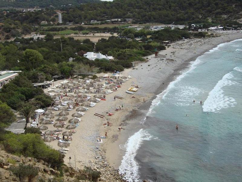 praia frequentada pelos famosos ibiza