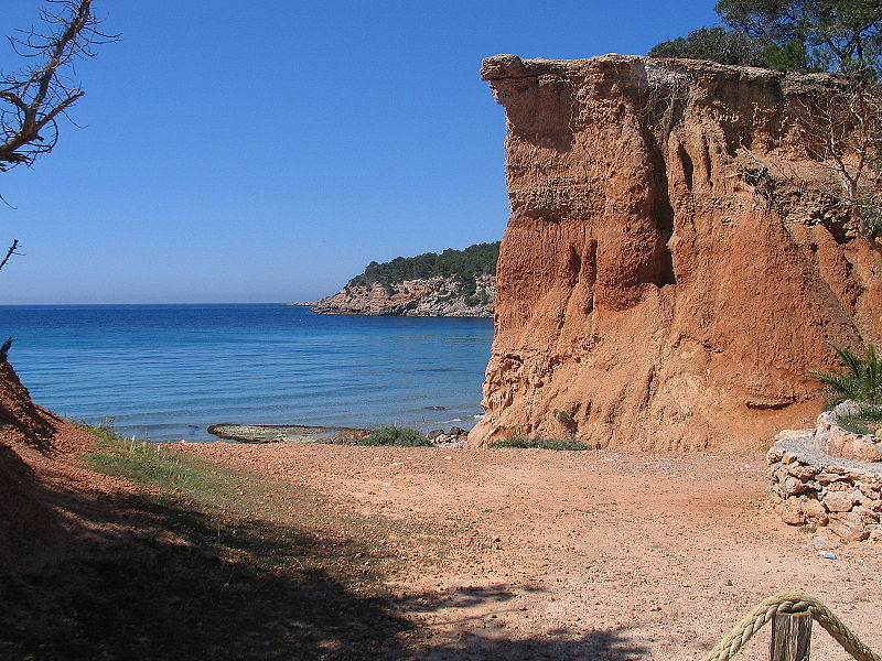 praia vermelha ibiza