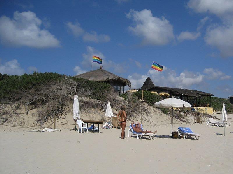 praias de nudismo em Ibiza