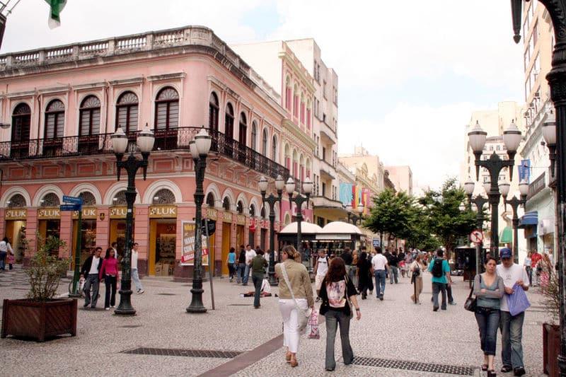 ruas de comercio em curitiba