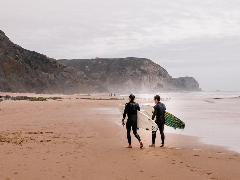 onde surfar em portugal
