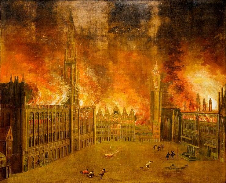 Grand Place em chamas