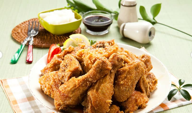 Comidas típicas da Coreia com frango