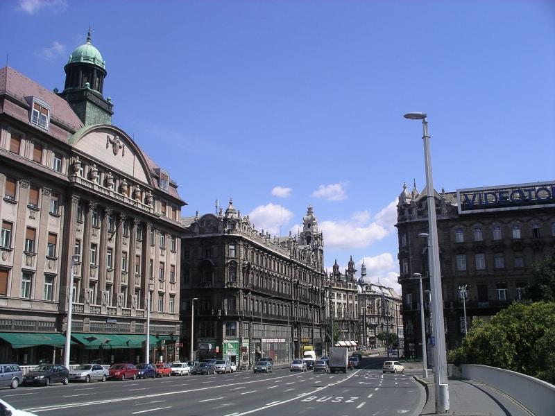 Rua Váci em Budapeste