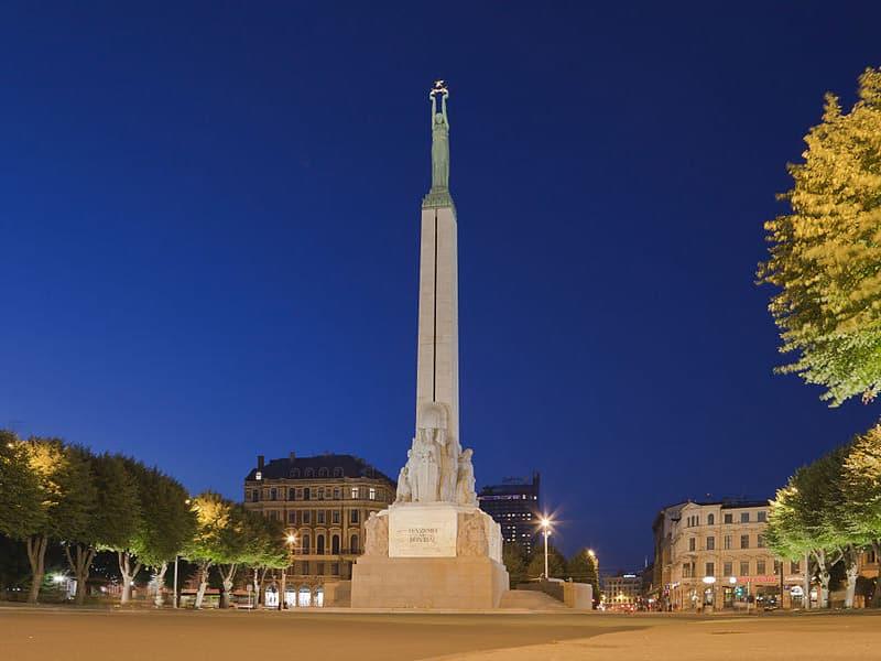 letonia pontos turísticos
