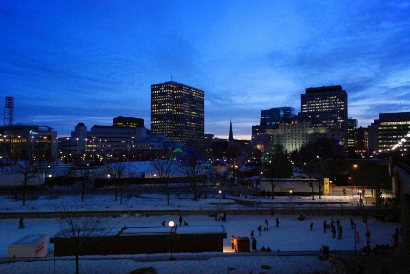 Passeio à noite em Ottawa