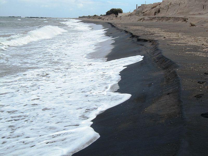 Praia Preta Santorini