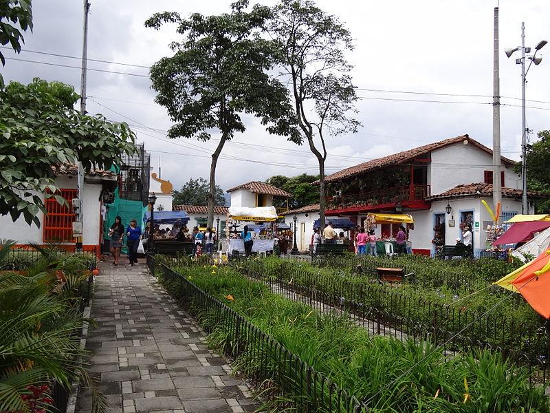 mercado de rua Medellin